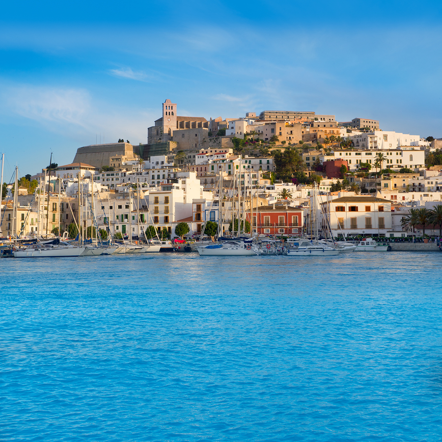 bigstock-Ibiza-Eivissa-town-with-blue-M-29975834 (2)